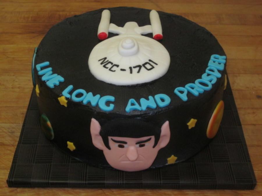 900_823788RVWP_star-trek-cake
